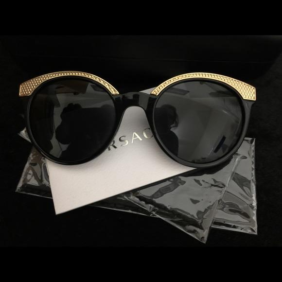 6694c8e3da8b Versace ladies sun glasses NEW PRICE REDUCTION. M 5a61d8dc05f430b8377ff8b3.  Other Accessories ...
